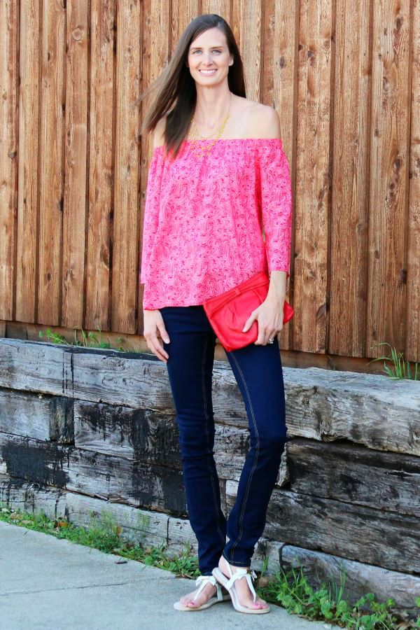 Tall off-the-shoulder tops are a fashionable trend.