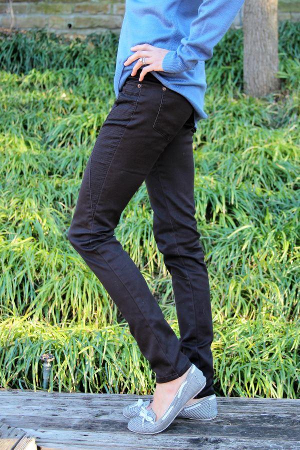 Black moto-inspired skinny pant in a 35