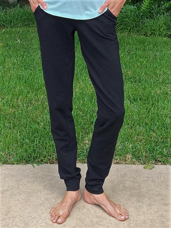 Alloy Apparel women's joggers in a 37
