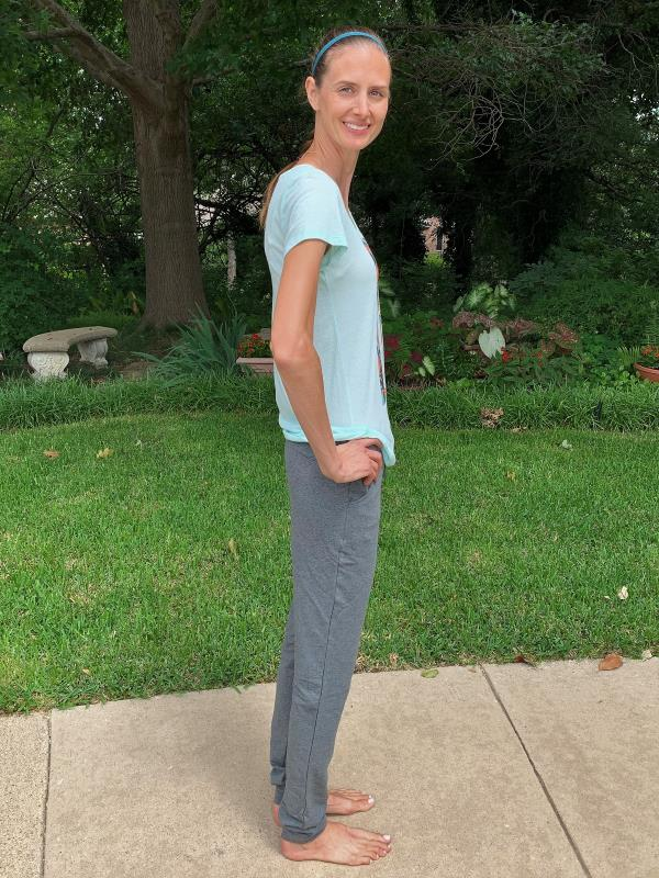 Side view of Alloy's tall jogger pants in gray.
